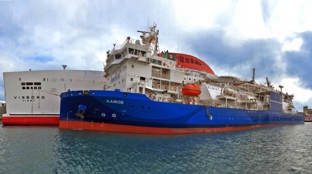 Επίσημη πρώτη για το μεγαλύτερο LNG bunkering πλοίο του κόσμου