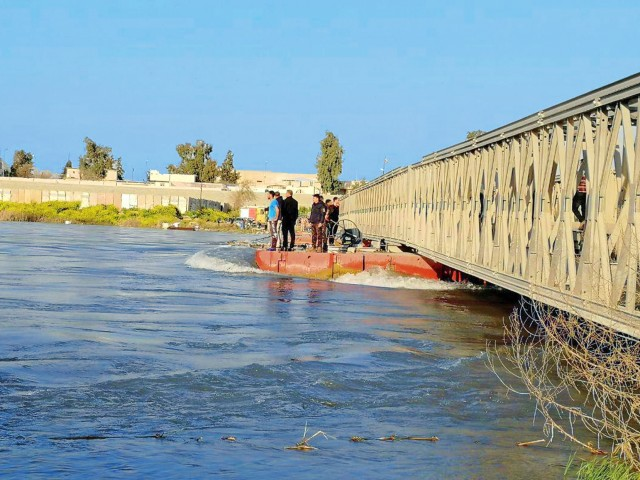 More than 70 dead after ferry sank in Tigris river near Mosul