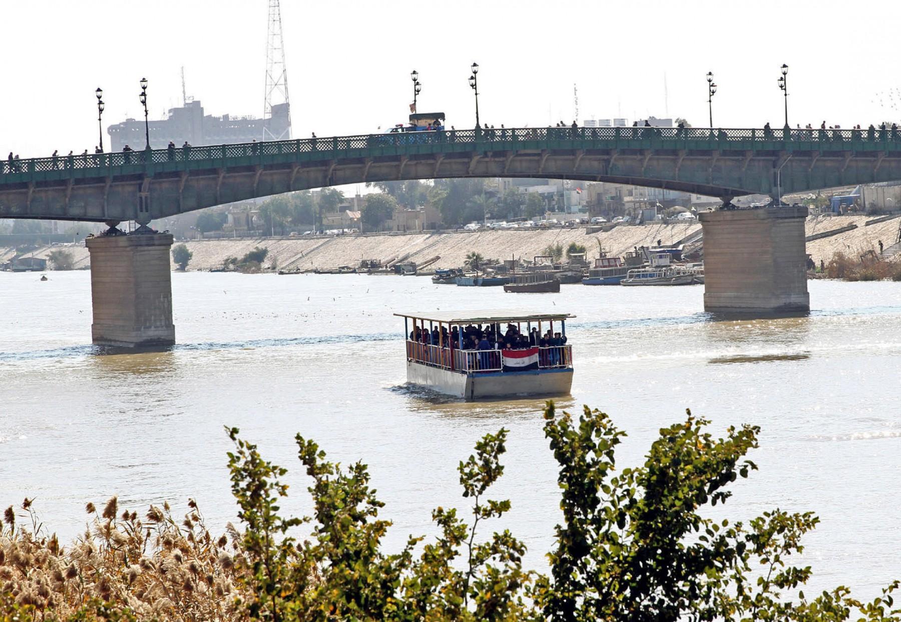 Δεκάδες θύματα από βύθιση πορθμείου στο Ιράκ