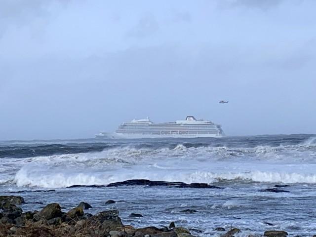 Ακυβέρνητο κρουαζιερόπλοιο με 1.300 επιβαίνοντες