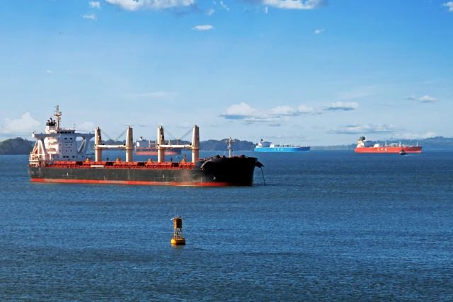 Γαλλική έκκληση για μείωση των ταχυτήτων από τα ποντοπόρα πλοία