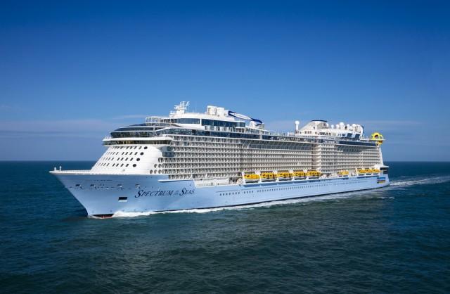 Στον Πειραιά το γιγάντιο κρουαζιερόπλοιο «Spectrum of the Seas»