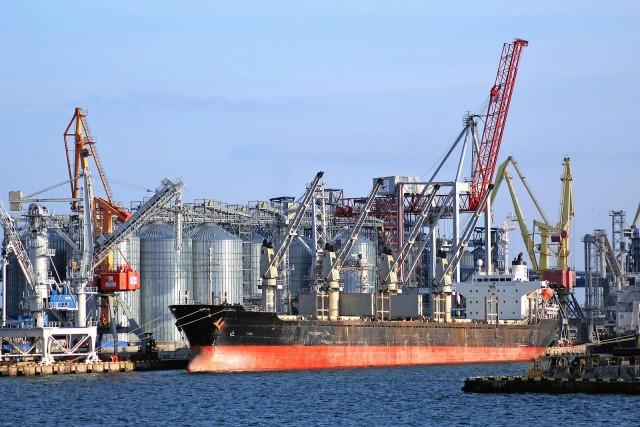 Τα ΗΑΕ επενδύουν στην προώθηση εναλλακτικών καυσίμων στη ναυτιλία