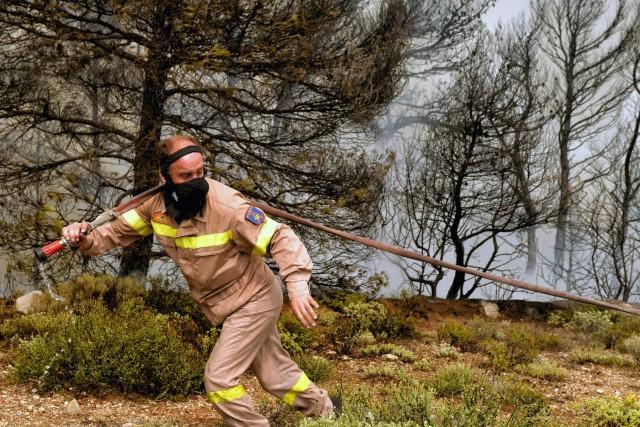 ΣΥΝ-ΕΝΩΣΙΣ: Συνεχής έμπρακτη υποστήριξη στους πυροπαθείς της Αττικής