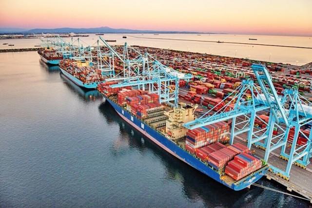 Η Maersk κρούει τον κώδωνα παρά την αύξηση της κερδοφορίας της