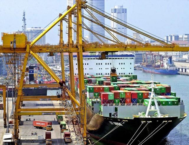 Σρι Λάνκα: Ασκήσεις γεωπολιτικής ισορροπίας με φόντο το λιμάνι του Κολόμπο