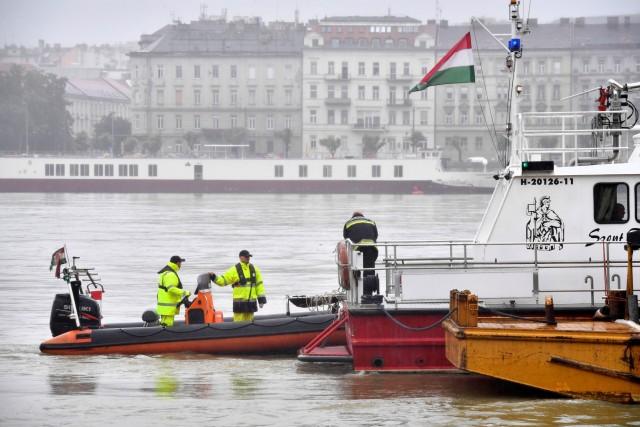 7 άτομα έχασαν την ζωή τους από ανατροπή ποταμόπλοιου