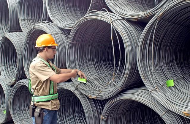 ArcelorMittal: Προς μείωση της παραγωγής χάλυβα