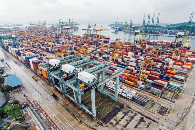 Η Σιγκαπούρη επενδύει σε βιώσιμες λιμενικές εργασίες
