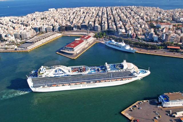 Κρουαζιέρα: «Βουτιά» άνω του 95% για τις αφίξεις πλοίων και επισκεπτών στην Ελλάδα