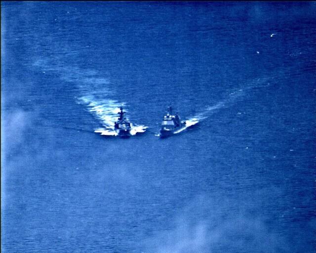 Παραλίγο σύγκρουση αμερικανικού καταδρομικού με ρωσικό πολεμικό πλοίο (βίντεο)