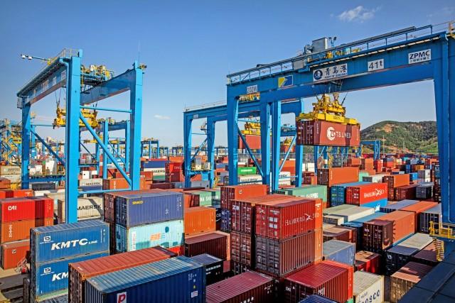 Πως οι εμπορικές διαμάχες ωφελούν την ναυτιλία