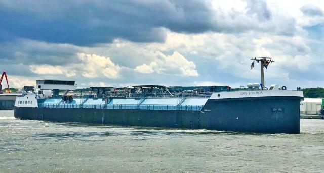 Το πρώτο πλοίο εσωτερικής ναυσιπλοΐας για ανεφοδιασμούς με καύσιμο LNG στην Ευρώπη