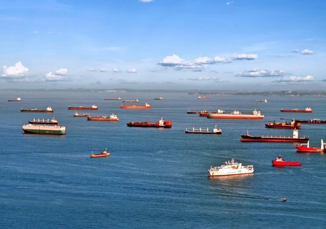 SOS για τις διελεύσεις πλοίων από τα Στενά της Μαλάκκα
