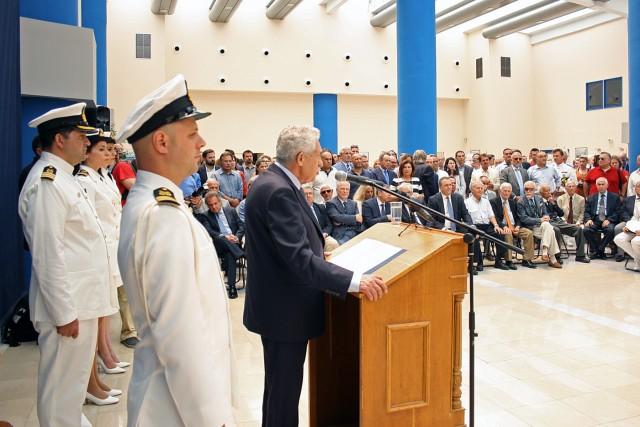Ο απερχόμενος υπουργός κ. Φώτης Κουβέλης κατά την αποχαιρετιστήρια ομιλία του