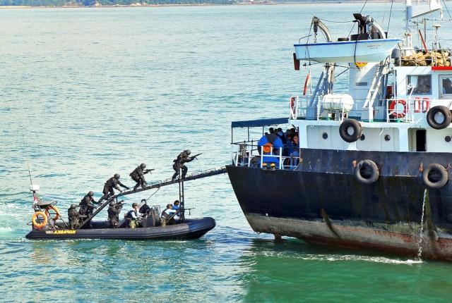 Έκρυθμη η κατάσταση στον Κόλπο της Γουινέας