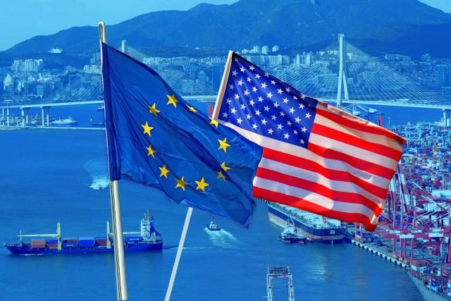 Απάντηση στις ΗΠΑ με κυρώσεις εξετάζει η ΕΕ