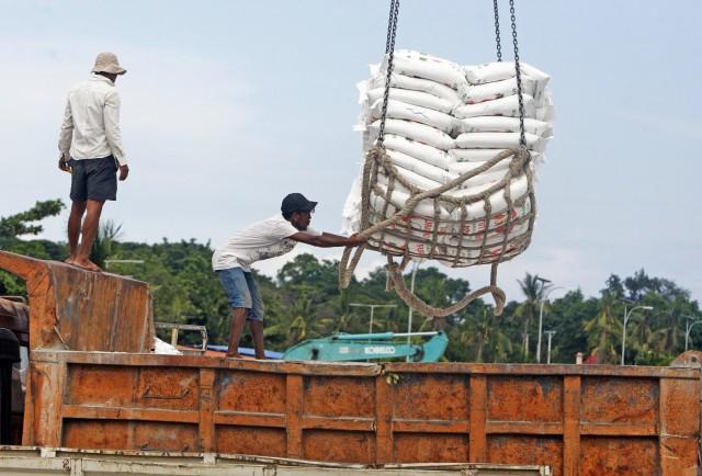 Νέα χαμηλά για τις εξαγωγές ρυζιού της Ινδίας