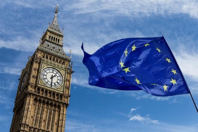 Προειδοποιήσεις βιομηχάνων εν όψει Brexit