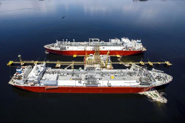Με το βλέμμα στο LNG και η Αργεντινή