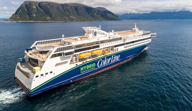 Στο νερό το μεγαλύτερο υβριδικό ferry του κόσμου