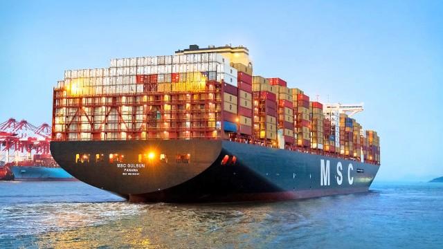 Το μεγαλύτερο containership διαπλέει την Ευρώπη