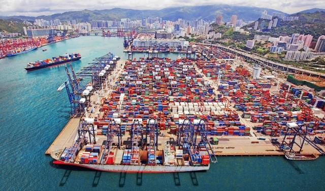 Σε ύφαλο το διεθνές εμπόριο;