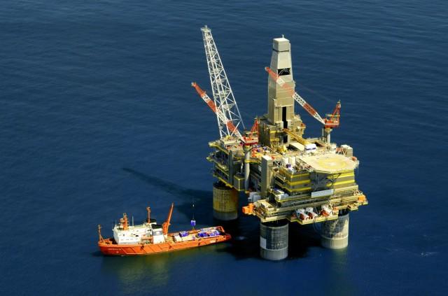 Γιατί ευνοούνται οι ρωσικές εξαγωγές πετρελαίου;