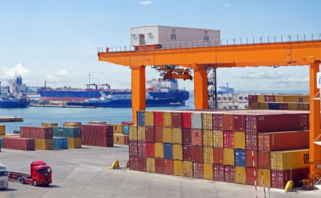 Ανοδική ρότα για το λιμάνι του Πειραιά