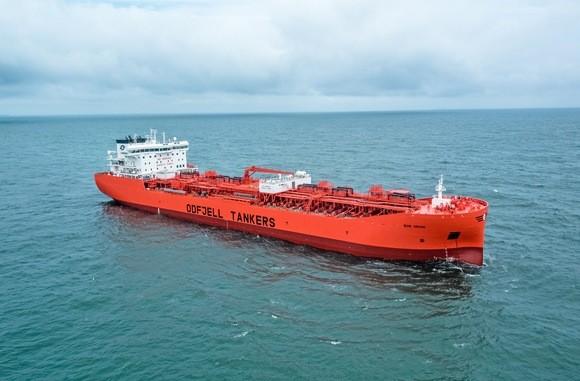 Σαλπάρει το μεγαλύτερο chemical tanker από ανοξείδωτο χάλυβα