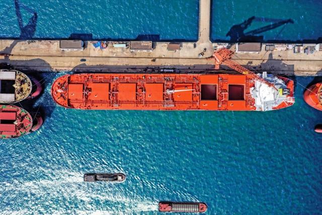 Ούριος άνεμος για τα bulk carriers
