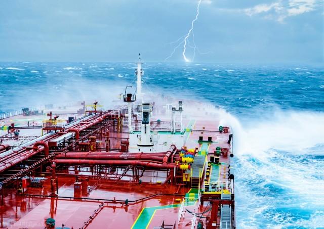 Τυφώνες σε Ατλαντικό και Ειρηνικό