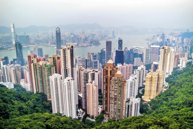 Χονγκ Κονγκ: μπαράζ αποχωρήσεων για τις επιχειρήσεις;