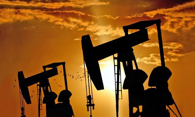 «Κρεμάμενη σε μια κλωστή» η παραγωγή πετρελαίου