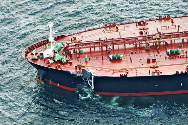 Σύγκρουση πλοίων στο Κερατσίνι