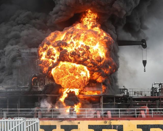 Πυρκαγιά σε δύο δεξαμενόπλοια
