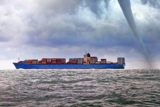 Τυφώνας πλήττει τη Θάλασσα της Νότιας Κίνας