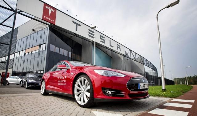 Η Tesla αυξάνει την παραγωγή για κάλυψη της ζήτησης