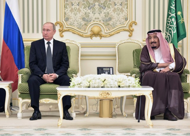 Συνομιλίες υψηλού επιπέδου για τις κορυφαίες πετρελαιοπαραγωγούς χώρες