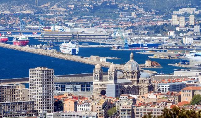 Φόρο για τα ναυτιλιακά καύσιμα προτείνει η Γαλλία