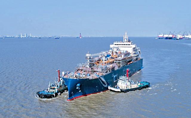 Total: Καθέλκυση για το πρώτο LNG Bunker Vessel