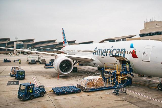 75 χρόνια εμπορικών πτήσεων για την American Airlines