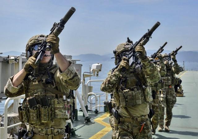 Η αγωνία του ελληνικού εφοπλισμού για επιθέσεις σε ναυτικούς και πλοία