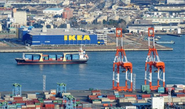 Η IKEA αλλάζει τη ρότα στα logistics