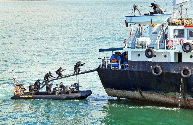 Απαγωγή Έλληνα ναυτικού: Οι αντιδράσεις του Υπουργείου Εξωτερικών