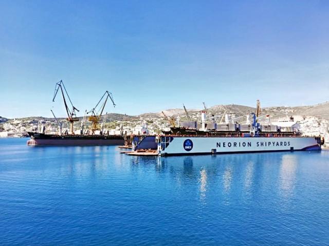 ONEX SYROS SHIPYARDS: Προσφορά στο Λιμενικό Σώμα