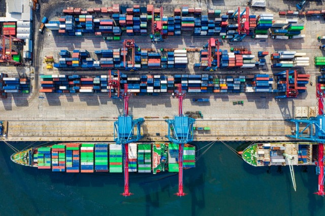 Containerships: Ενισχύονται οι ναύλοι