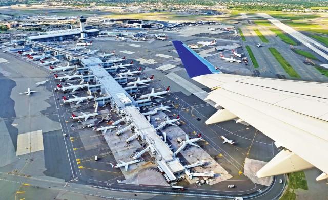 ΕΕ: Στο «μάτι του κυκλώνα» η αεροπορική βιομηχανία