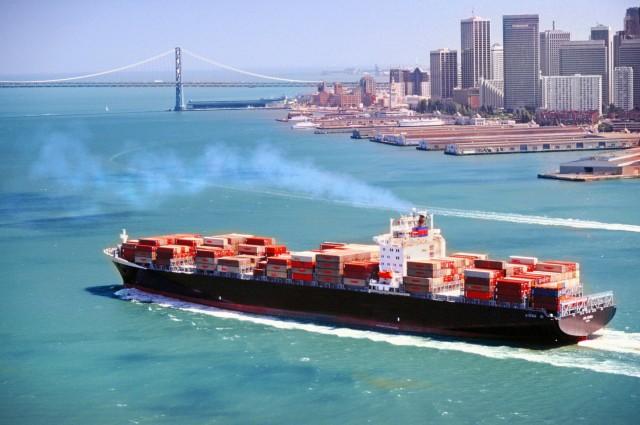 Η ναυτιλία μειώνει το περιβαλλοντικό της αποτύπωμα