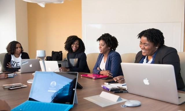 Αφρική: Ψήφος εμπιστοσύνης της αγοράς εργασίας στις γυναίκες